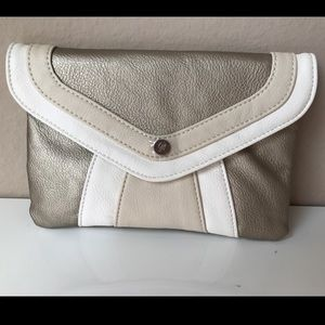 Handbags - 🌟🆕GIVE ME THE GILDED ONE CLUTCH/CROSSBODY🌟NWT🌟